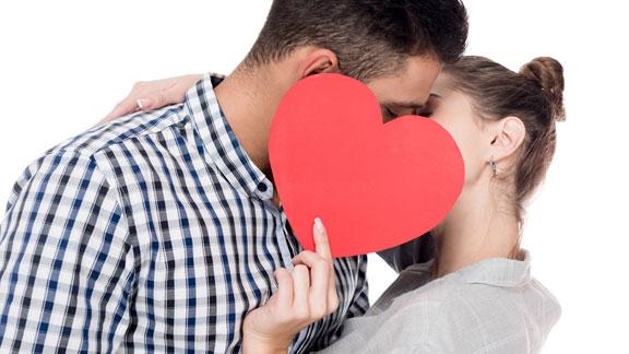 Como Besa un Cáncer - HoroscopoCáncer.org